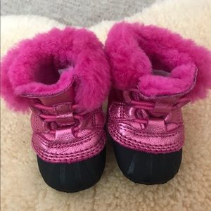 Adorable Hot Pink Sorel Boots - Like New!